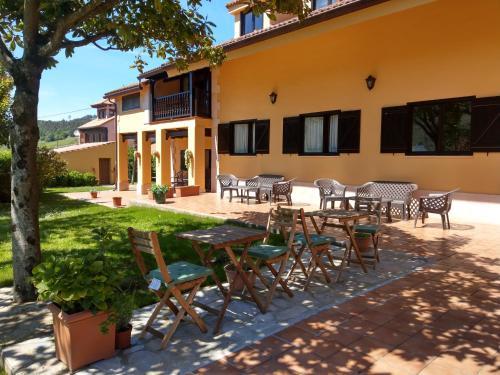 Un patio o zona al aire libre en Hotel Rural El Otero