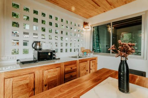A kitchen or kitchenette at Cookies Salad Resort