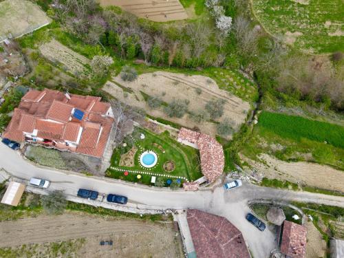 Vista aerea di Alpeta Agrotourism & Winery - Roshnik , Berat