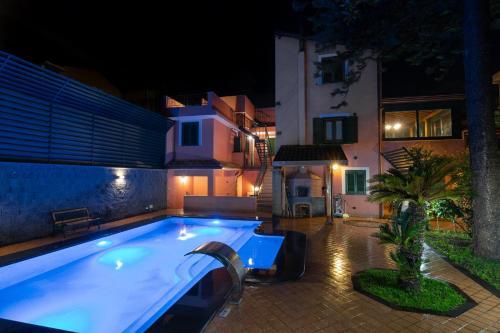 迪夏梅阿罕布拉B&B酒店游泳池或附近泳池