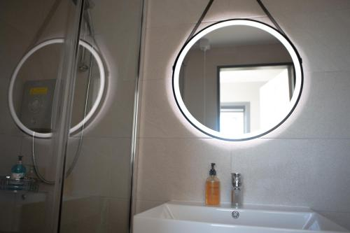 A bathroom at Hebridean Inn