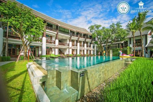 المسبح في Smile Lanna Hotel أو بالجوار