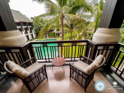 منظر المسبح في Smile Lanna Hotel او بالجوار