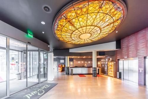 El vestíbulo o zona de recepción de Rixwell Elefant Hotel with FREE Parking