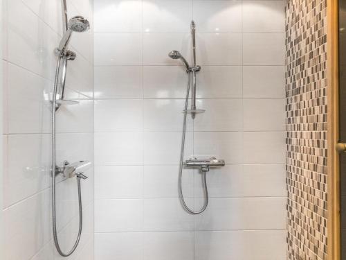 A bathroom at Holiday Home Rapsakka