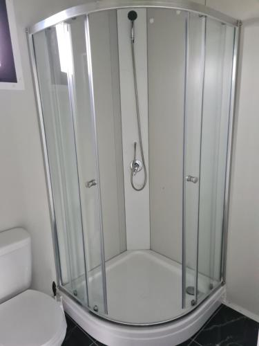 A bathroom at B&B de Niers