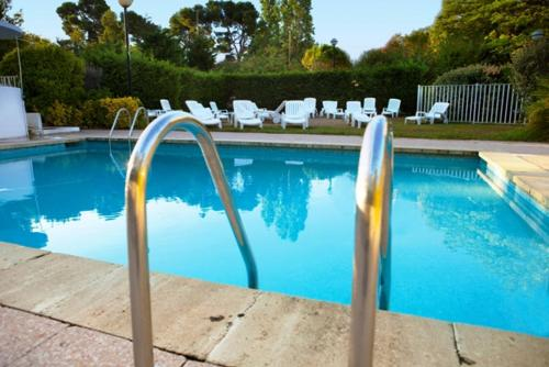 The swimming pool at or close to Le Drip's, Nouvel hôtel !