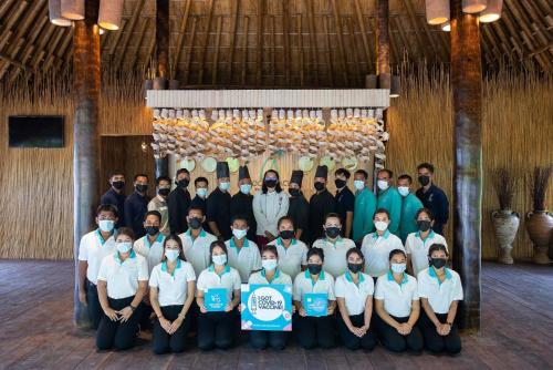 Personal de Phi Phi CoCo Beach Resort - SHA Plus Vaccinated