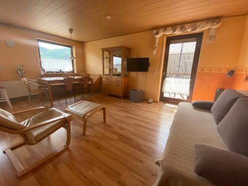 Ein Sitzbereich in der Unterkunft Haus Erika/ Fam. Frevel