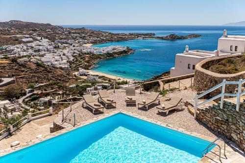 Vue sur la piscine de l'établissement Villa Thelgo Mykonos ou sur une piscine à proximité