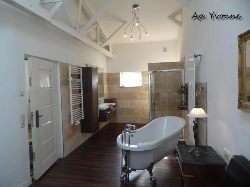 Ein Badezimmer in der Unterkunft Villa Backstein OBO19