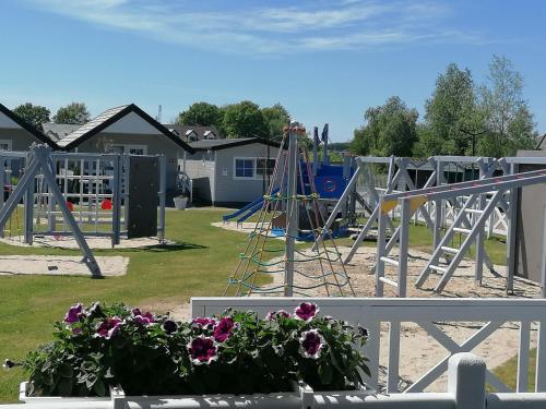 Plac zabaw dla dzieci w obiekcie Holiday-Camp