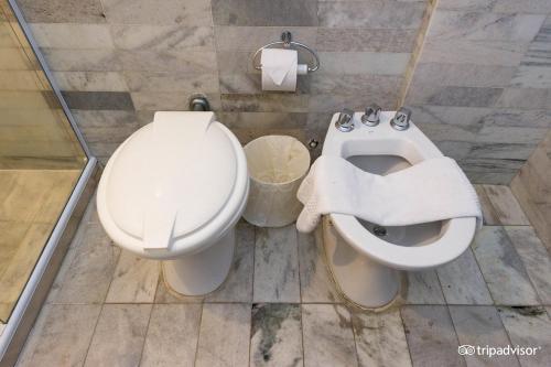 A bathroom at Rede Andrade Braz