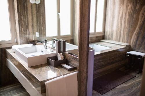A bathroom at Liassidi Wellness Suites