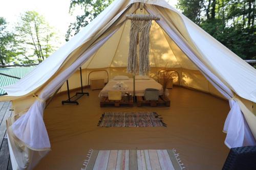 Банкетный зал в люкс-шатре