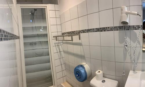 A bathroom at Hotel du Parc