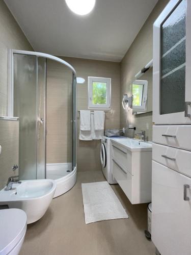 A bathroom at Villa Pitomcia