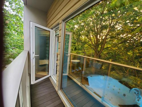A balcony or terrace at La Cachette