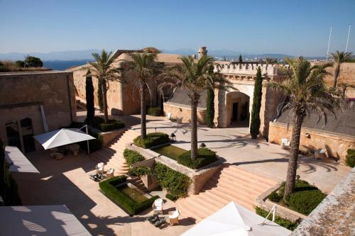 Vue panoramique sur l'établissement Cap Rocat, a Small Luxury Hotel of the World