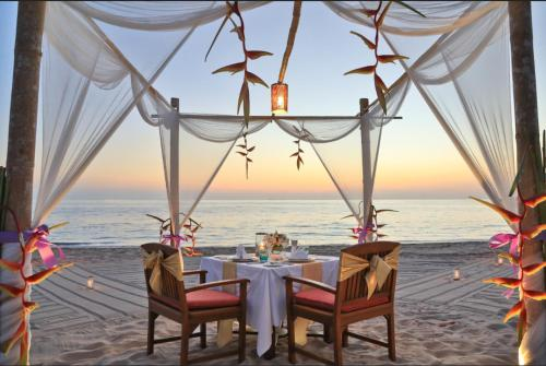 A restaurant or other place to eat at Pimalai Resort & Spa - SHA Plus