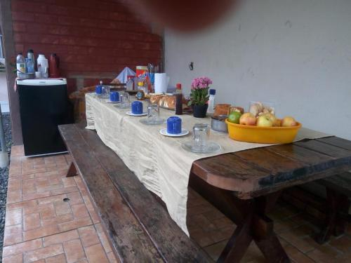 A restaurant or other place to eat at Pousada Família Limas
