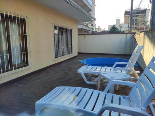 A balcony or terrace at Casa Amarela de Esquina