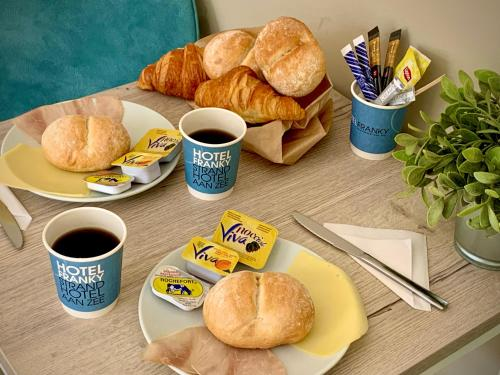 Breakfast options available to guests at Hotel Franky