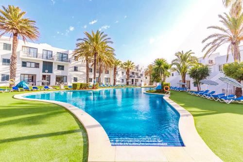 Piscine de l'établissement Vacances Menorca Blanc Cottage - 3SUP ou située à proximité