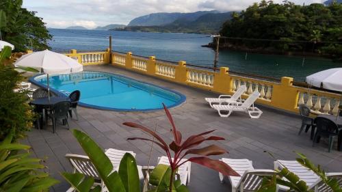 A piscina localizada em Colonial Hotel ou nos arredores