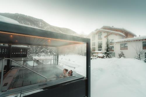 Alpen Resort Hotel during the winter