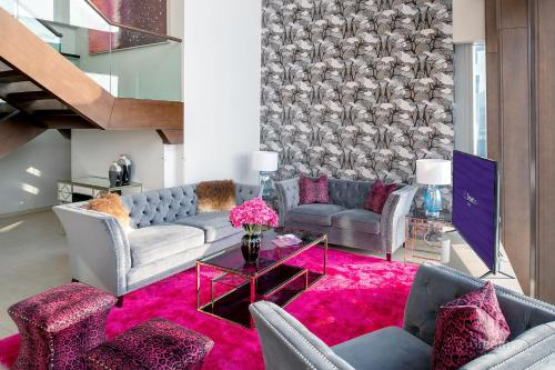 A seating area at Dream Inn Apartments - 48 Burj Gate Penthouses