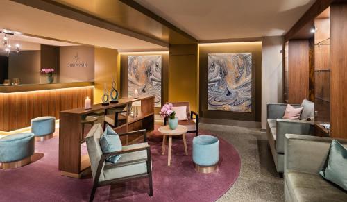 The lounge or bar area at Apartment Residences at Park Hyatt Hamburg
