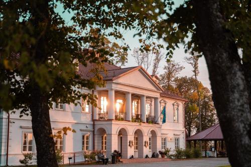 Bistrampolis Manor Kuciai, Lithuania