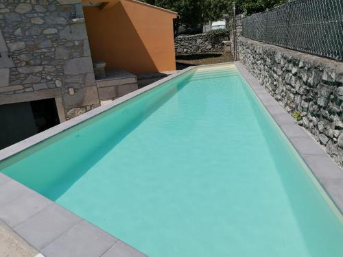 The swimming pool at or near Casa dos Carvalhinhos