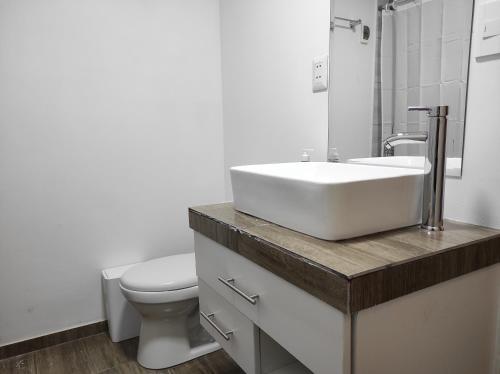 A bathroom at EL ENSUEÑO