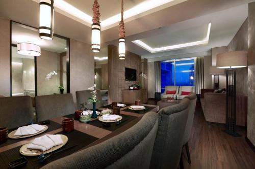 A restaurant or other place to eat at Aston Priority Simatupang Hotel and Conference Center