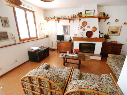 A seating area at Locazione Turistica Filipponi-1