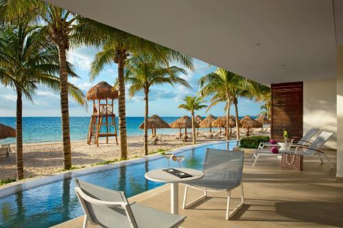 Piscina en o cerca de Breathless Riviera Cancun Resort & Spa - Adults Only