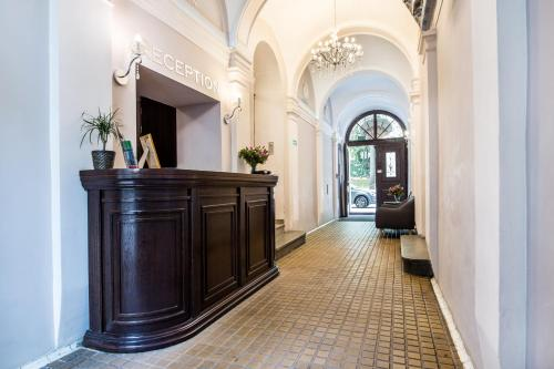 The lobby or reception area at Aparthotel Old Town