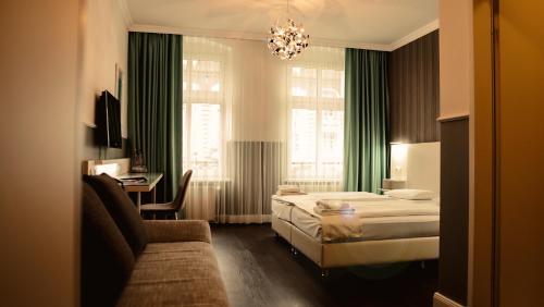 Ein Sitzbereich in der Unterkunft Hotel Prens Berlin