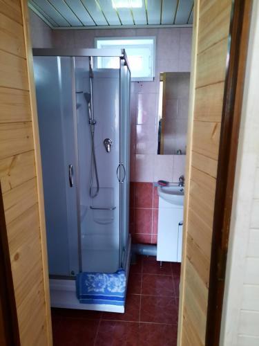 Ванная комната в База Отдыха Лотос