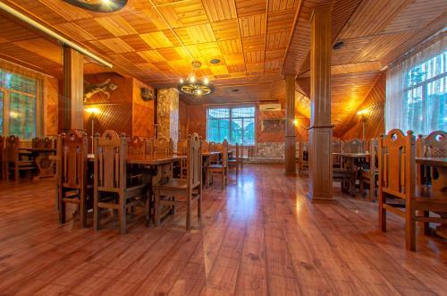 Ресторан / где поесть в База отдыха «Ореховая роща»
