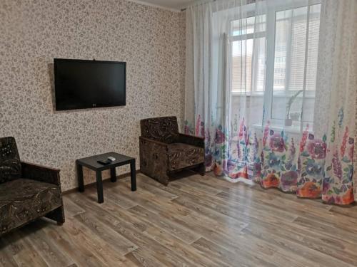 Телевізор і / або розважальний центр в 2ком квартира у моря,Южный одесская обл.