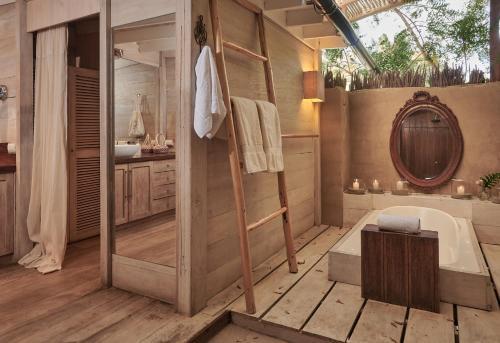 A bathroom at KiChic