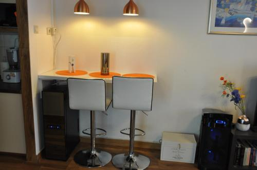 A kitchen or kitchenette at Olive Tree Apartment
