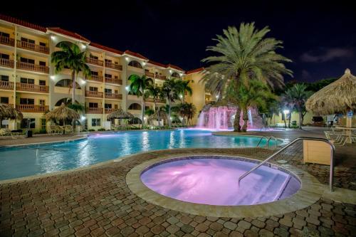 A piscina localizada em Eagle Aruba Resort & Casino ou nos arredores