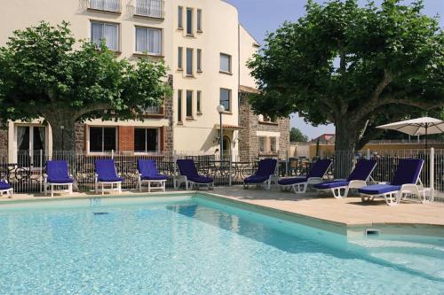 Piscine de l'établissement Hôtel Miléade Méditerranée - Port-Fréjus ou située à proximité