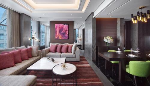 The lounge or bar area at Sofitel Kuala Lumpur Damansara