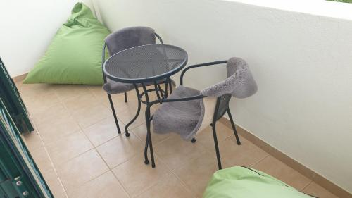A seating area at Casa Cereja 'Adults only'