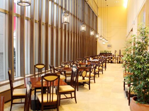 A restaurant or other place to eat at Hotel Lifort Sapporo
